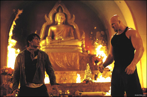 TOny Jaa et Nathan Jones