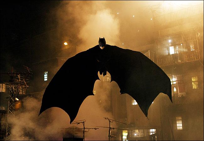 http://a.giscos.free.fr/cinema/B/BatmanBegins/Image10.jpg