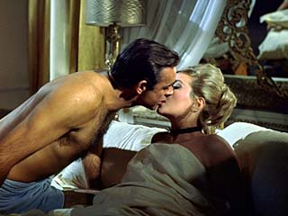 L'espionnage version James Bond (Sean Connery et Daniela Bianchi)