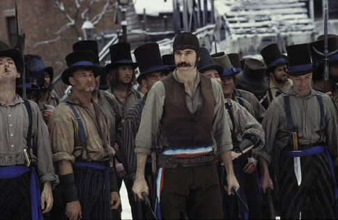 Daniel Day-Lewis et les Native Americans dans Gangs of New-York, de Martin Scorsese