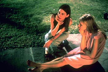 Sofia Coppola et Kirsten Dunst dans Virgin Suicides